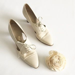 🐚 Vintage: Ferragamo ✦ Presley Lace Up Pumps ✦